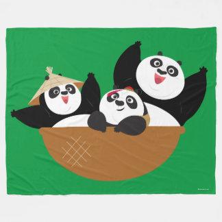 Pandas en un cuenco manta polar