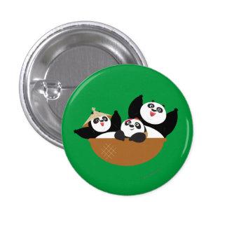 Pandas en un cuenco pin redondo de 1 pulgada