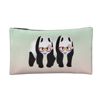 Pandas lesbianas del orgullo que llevan los