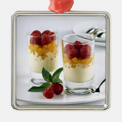 Panful del mango en un helado de la vainilla para ornatos