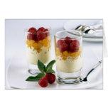Panful del mango en un helado de la vainilla para tarjeta