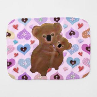 Paño del Burp del bebé de los corazones de la koal Paños De Bebé