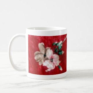 Paño rojo del terciopelo tazas de café