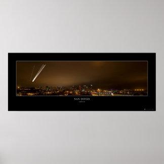 Panorama céntrico de la noche de San Diego Póster