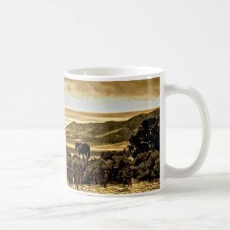 Panorama crepuscular tazas de café