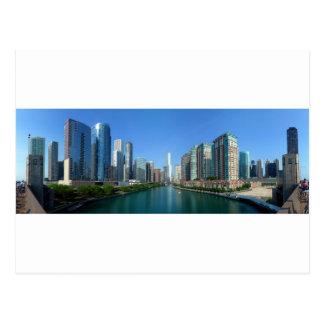 Panorama de edificios a lo largo del río Chicago Postal