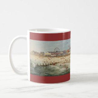 """Panorama de la playa de Paul McGehee """"Rehoboth - Taza De Café"""