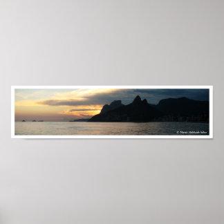 Panorama de la puesta del sol de Arpoador Poster
