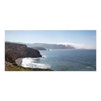 Panorama del arrastramiento visto niebla para arri cojinete