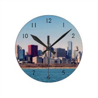 Panorama del horizonte de Chicago Reloj Redondo Mediano