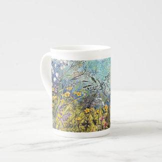 Panorama del jardín de flores taza de porcelana