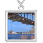 Panorama del puente de puerto de Sydney, ópera de  Colgantes