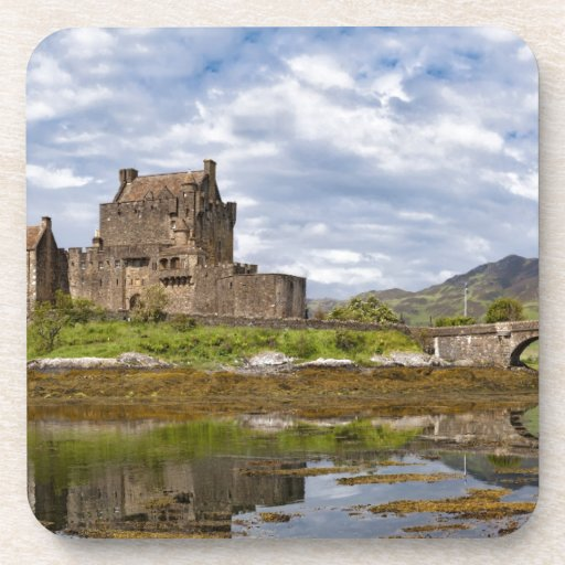 Panorama Eilean Donan Castle viewed from south Coasters