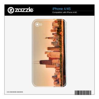 Panorama of Chicago skyline at sunrise iPhone 4 Skin