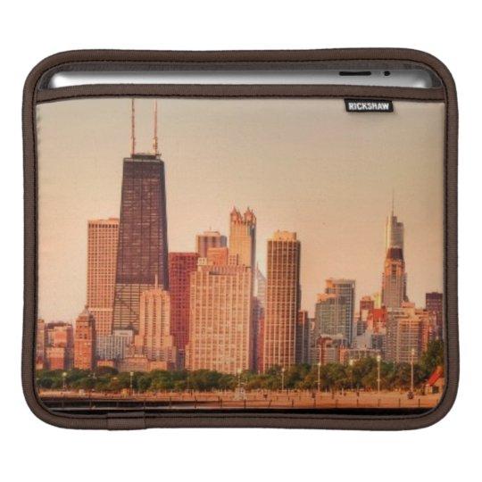 Panorama of Chicago skyline at sunrise Sleeve For iPads