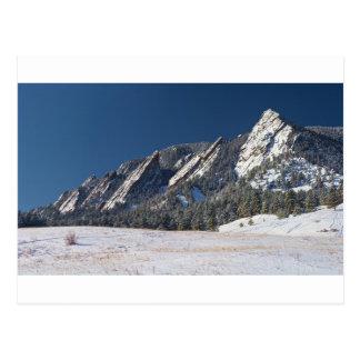 Panorama sacado el polvo nieve de Flatirons Boulde Tarjeta Postal