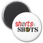 Pantalones cortos y tiros iman para frigorífico