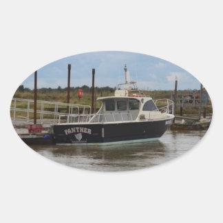 Pantera del barco de motor en Southwold Pegatina Ovalada