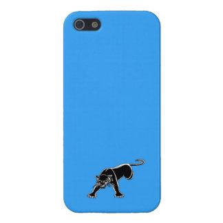 Pantera negra en fondo del azul de cielo iPhone 5 funda
