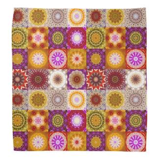 Pañuelo floral del modelo del edredón o del remien bandanas