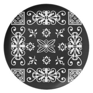 Pañuelo negro plato para fiesta