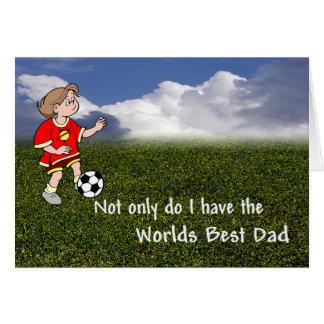 Papá adorable del fútbol que entrena a su hija tarjeta de felicitación