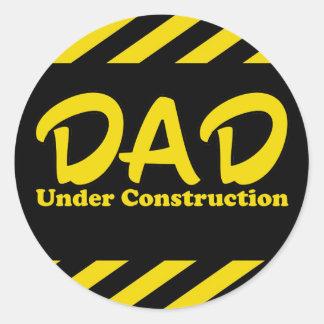 Papá bajo construcción pegatina redonda