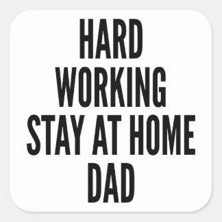 Papá casero de trabajo duro colcomanias cuadradases