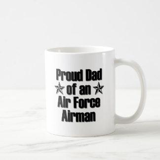Papá de la fuerza aérea orgulloso taza clásica