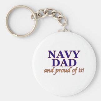 Papá de la marina de guerra y orgulloso de él llavero redondo tipo pin