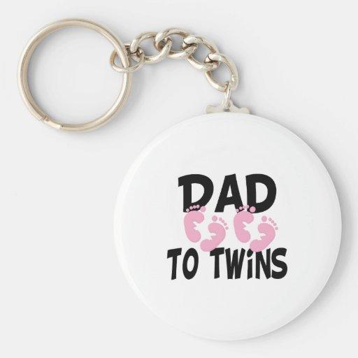 Papá de las huellas a los gemelos (chicas gemelos) llaveros