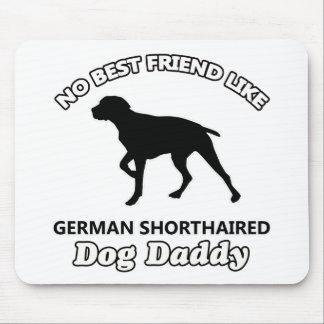 Papá de pelo corto alemán del perro alfombrillas de ratón