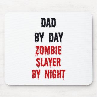 Papá del asesino del zombi del día por noche alfombrilla de raton