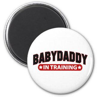 Papá del bebé en el entrenamiento imán redondo 5 cm