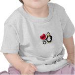 Papá del corazón del pingüino camiseta