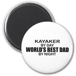 Papá del mundo del Kayaker el mejor por noche Imán Redondo 5 Cm