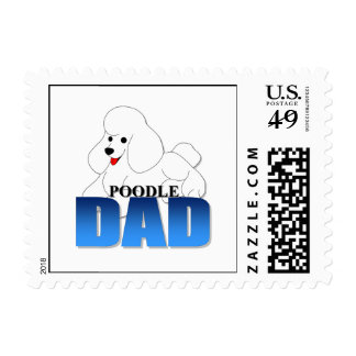 Papá del perro de caniche franqueo