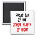 Papá del rugbi del asesino del zombi imán cuadrado