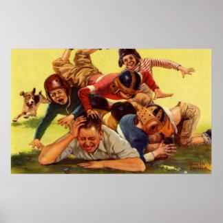 Papá del vintage que juega niños del fútbol w y el póster