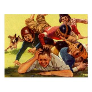 Papá del vintage que juega niños del fútbol w y el postal