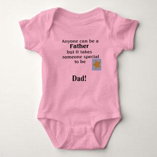 ¡Papá! Enredadera del bebé Tshirt