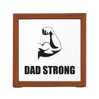 Papá fuerte portalápices