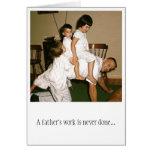 Papá Horsing alrededor de la tarjeta del día de pa