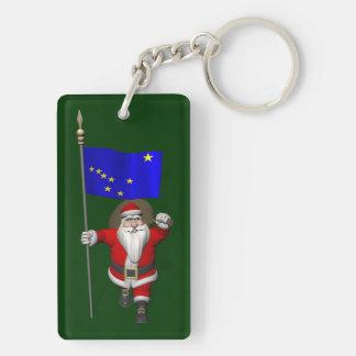 Papá Noel con la bandera de Alaska Llavero Rectangular Acrílico A Doble Cara