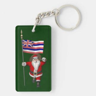 Papá Noel con la bandera de Hawaii Llavero Rectangular Acrílico A Doble Cara