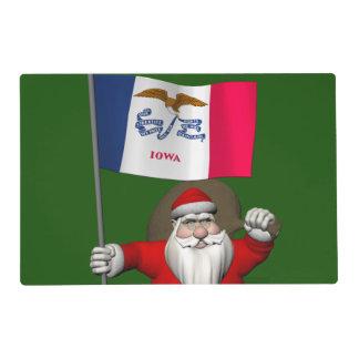 Papá Noel con la bandera de Iowa Salvamanteles
