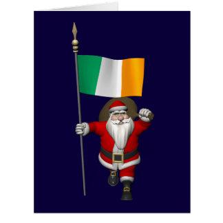 Papá Noel con la bandera de Irlanda Tarjeton