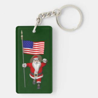 Papá Noel con la bandera de los E.E.U.U. Llavero Rectangular Acrílico A Doble Cara