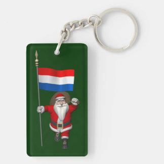 Papá Noel con la bandera de los Países Bajos Llavero Rectangular Acrílico A Doble Cara