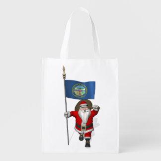 Papá Noel con la bandera de Nebraska Bolsa Para La Compra